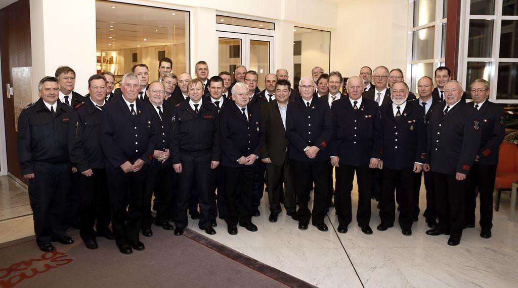 Stadt Ehrt Verdienstvolle Feuerwehrleute Marl De
